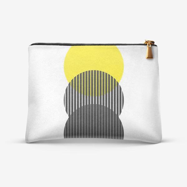 Косметичка «Абстрактная композиция с желтым кругом»