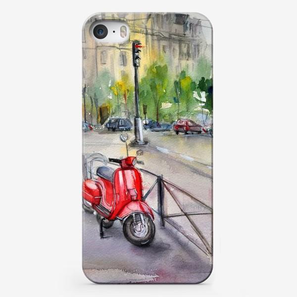 Чехол iPhone «Красный мопед на улице»