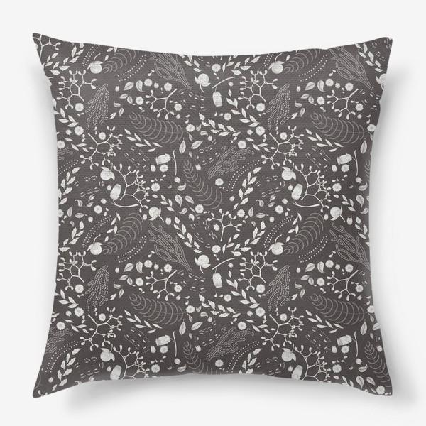 Подушка «Цветочный монохром 2»