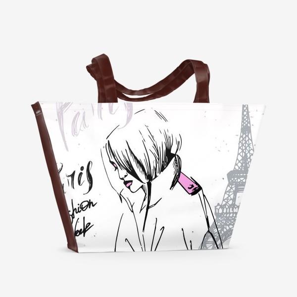 Пляжная сумка «Девушка на фоне Эйфелевой башни, надпись Paris, Fashion week»