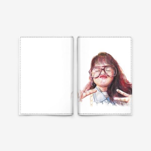 Обложка для паспорта «девочка в очках»