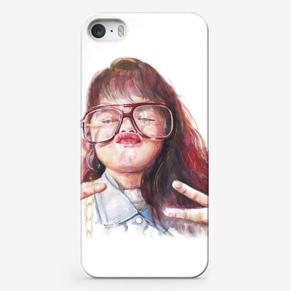 Чехол iPhone «девочка в очках»