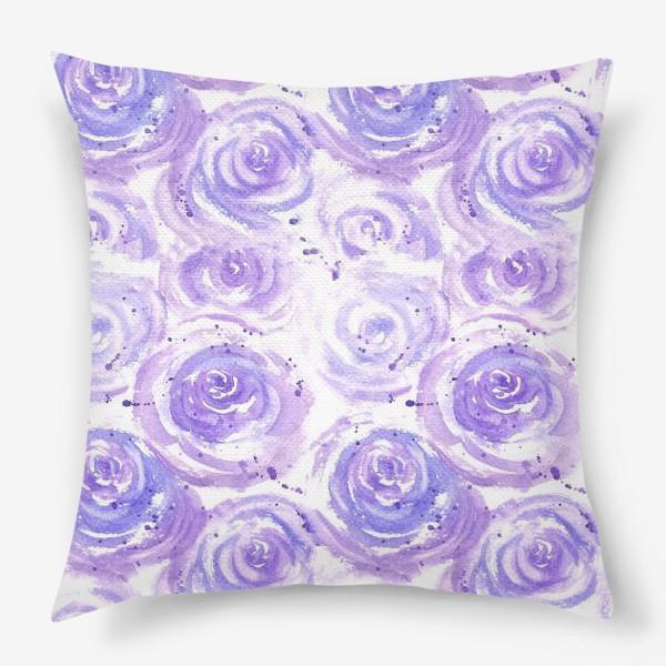 Подушка «Фиолетовые розы. Акварельный цветочный абстрактный принт на белом фоне»