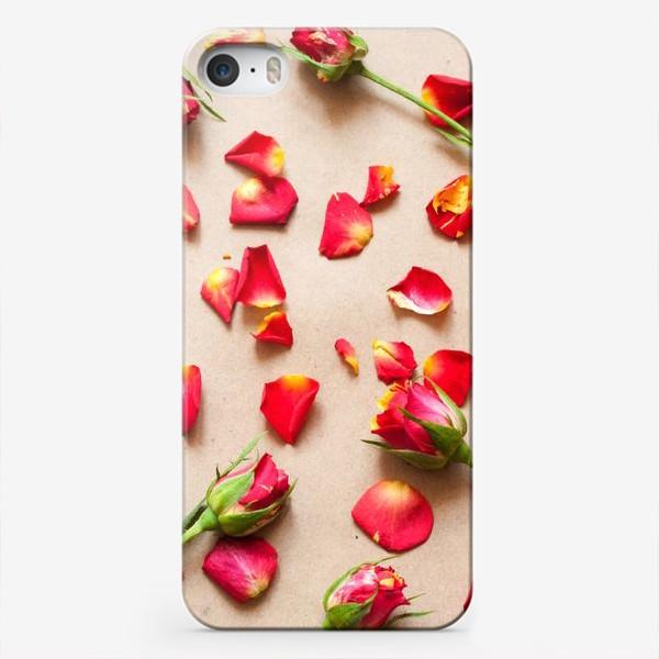 Чехол iPhone «Розы и лепестки»