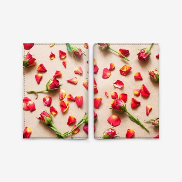 Обложка для паспорта «Розы и лепестки»