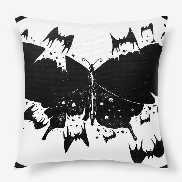 Подушка «Черная бабочка»