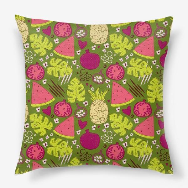 Подушка «Паттерн с тропическими фруктами»
