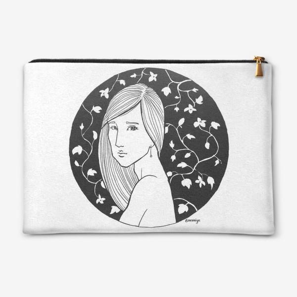 Косметичка «Девушка в цветах, белое»