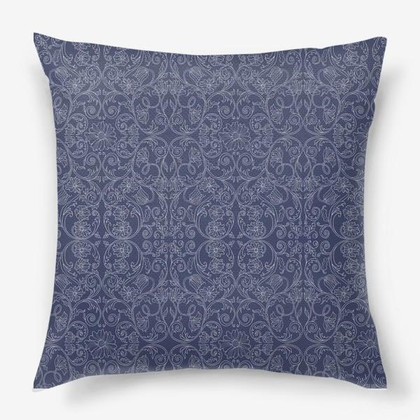 Подушка «Узор на фоне цвета сапфира»
