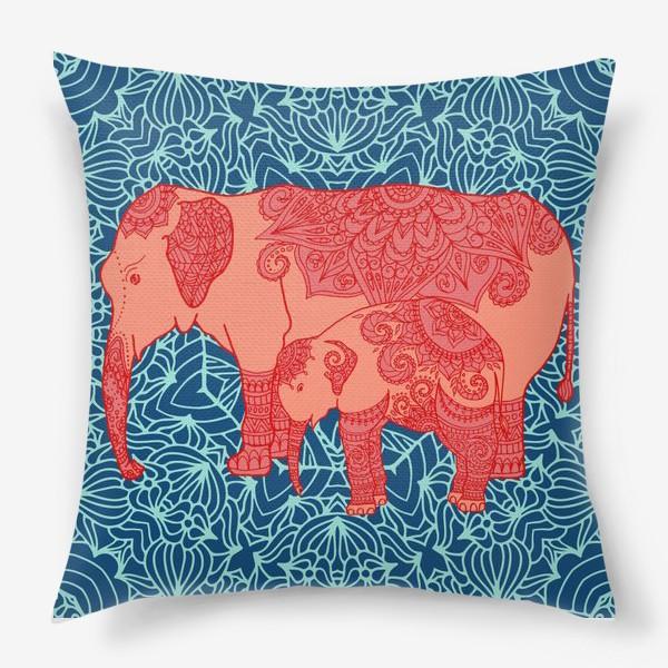 Подушка «Индийский слон и слоненок»