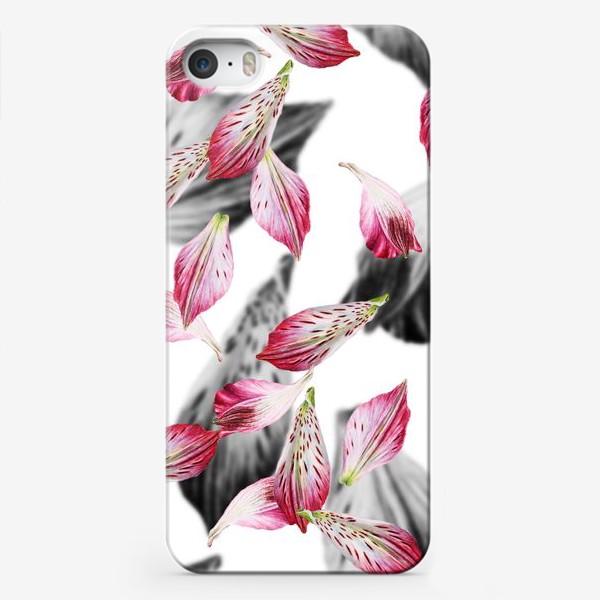 Чехол iPhone «Розовые лепестки»