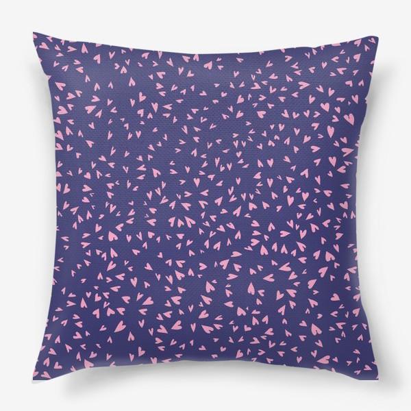 Подушка «Милые маленькие сердечки на фиолетовом фоне»