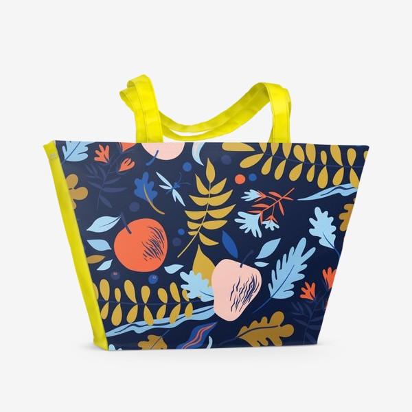 Пляжная сумка «осенний паттерн с яблоками и цветами»