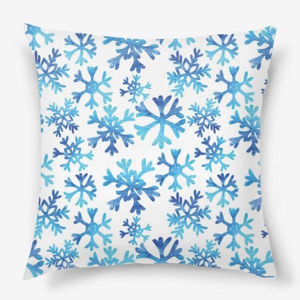 Подушка «Снежинки в акварели»