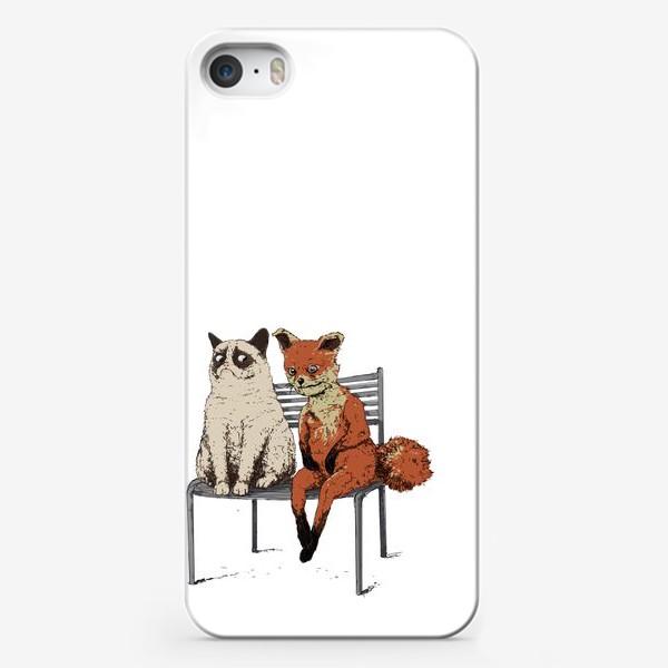 Чехол iPhone «Угрюмый кот и упоротый лис»