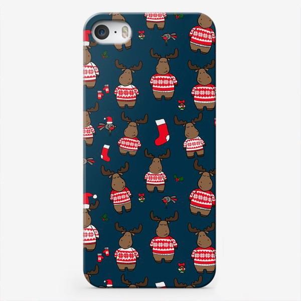 Чехол iPhone «Новогодний паттерн с лосями и снегирями»