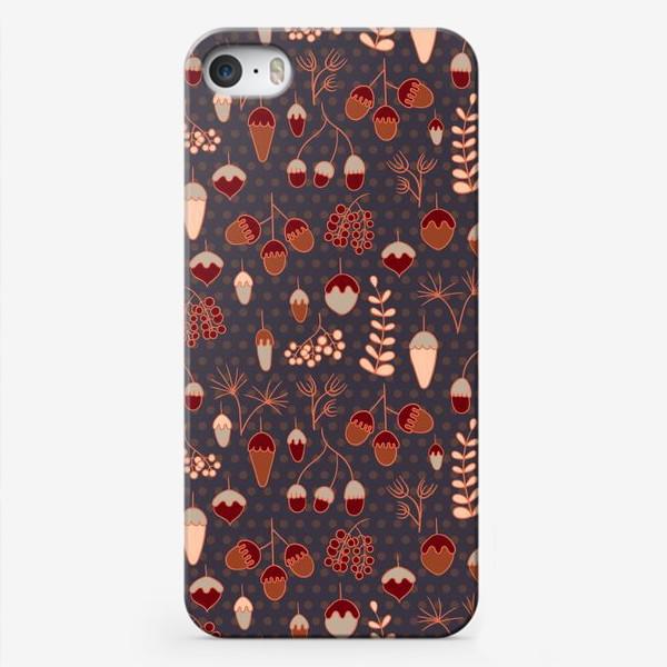 Чехол iPhone «Желуди, ягоды, листья. Теплые, коричневые тона»