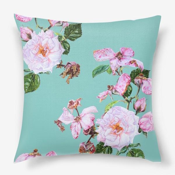 Подушка «Розовые розы на голубом»