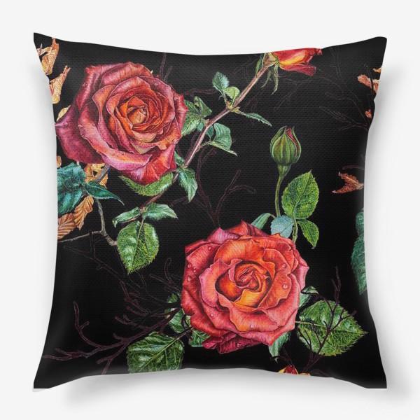 Подушка «Узор из красных роз на черном фоне»