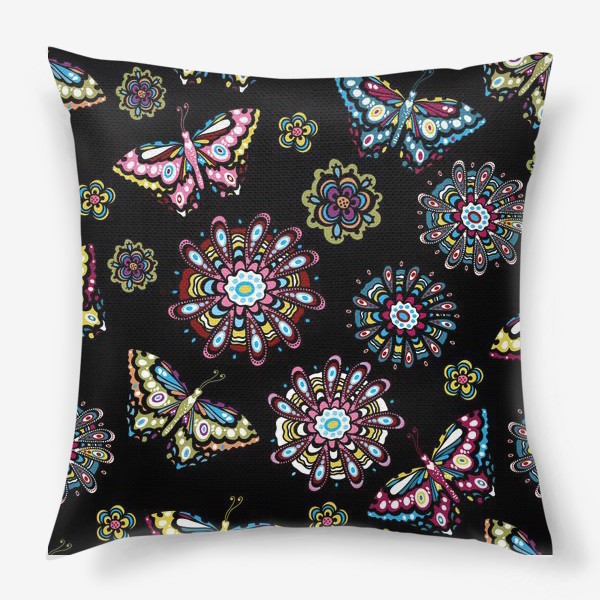 Подушка «Бабочки в саду»