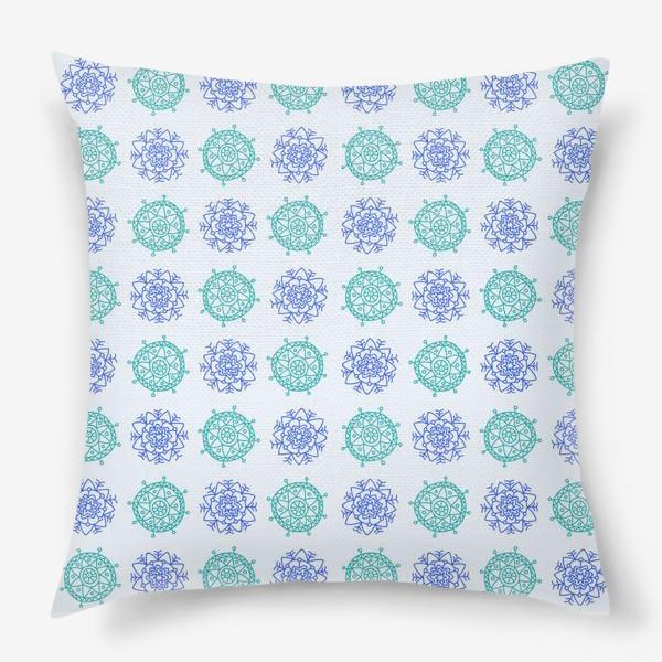 Подушка «Голубые снежинки»