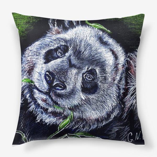 Подушка «панда и листик бамбука »