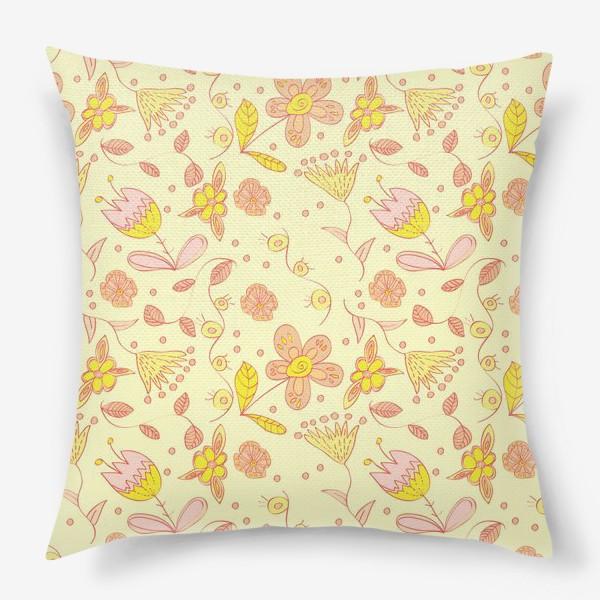 Подушка «Цветочный паттерн»