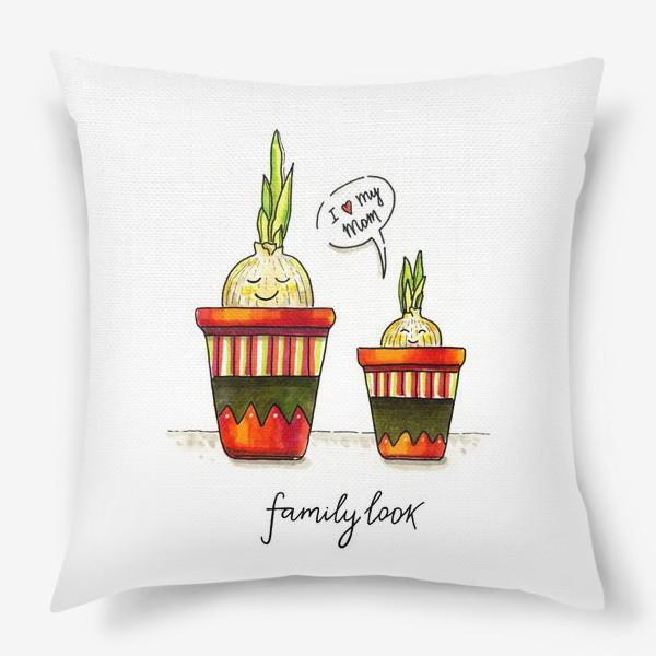Подушка «FAMILY LOOK. RED»