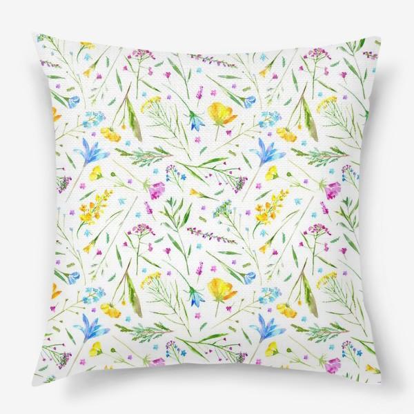 Подушка «Цветы и полевые травы. Акварельный паттерн»