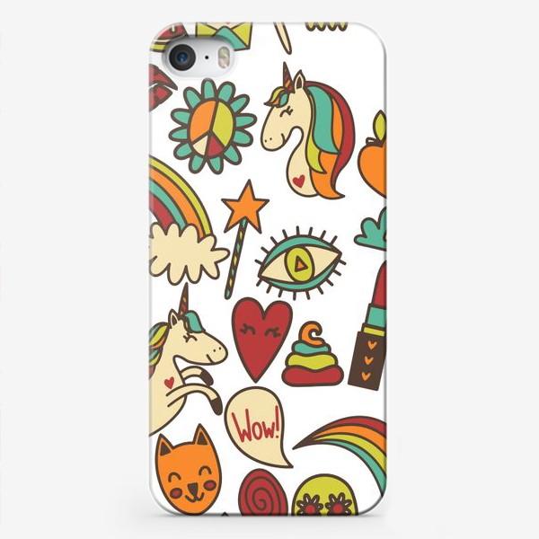 Чехол iPhone «Паттерн с единорогами и другими милыми стикерами»