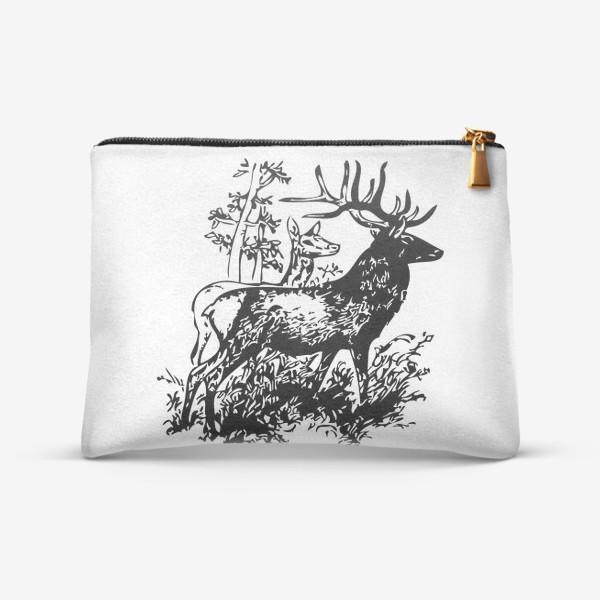 Косметичка «Паттерн с оленями в лесу»