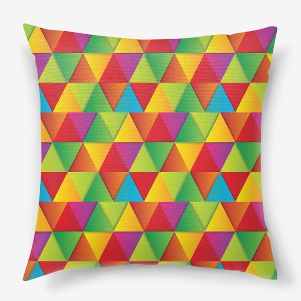 Подушка «Яркие треугольники»
