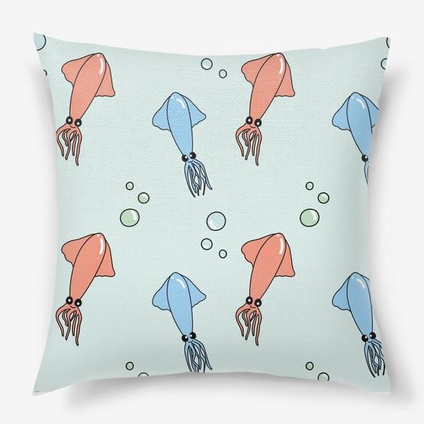 Подушка «Паттерн с кальмарами на голубом»