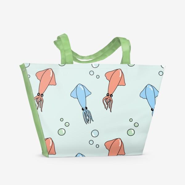 Пляжная сумка «Паттерн с кальмарами на голубом»