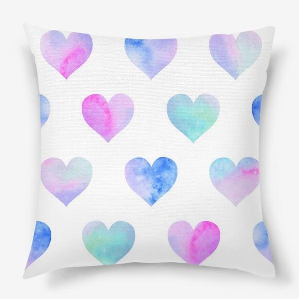 Подушка «Паттерн из сердец на белом фоне»