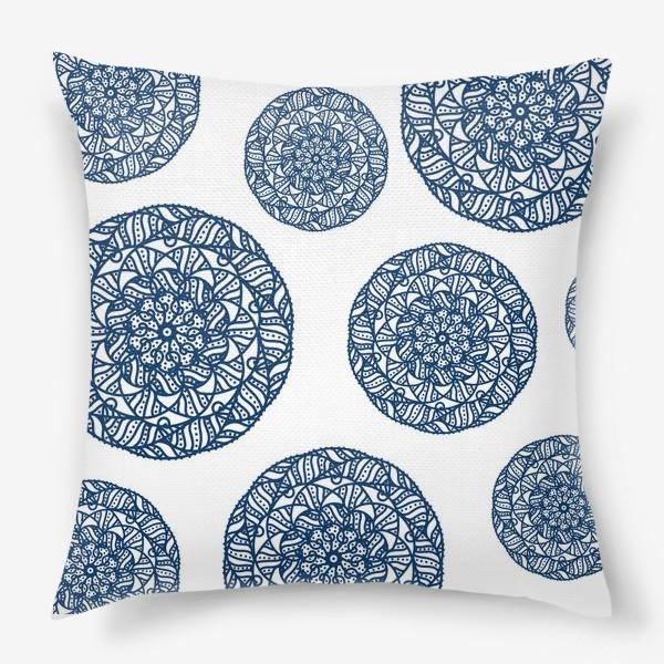Подушка «Синие узоры»