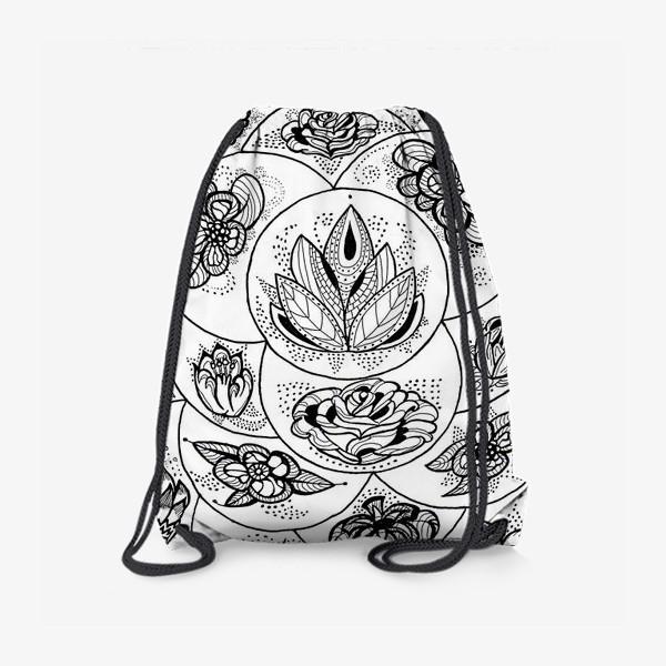 Рюкзак «Цветы в черно-белом»