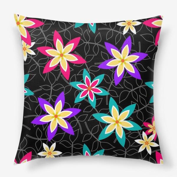 Подушка «Яркие цветы на черном фоне.»