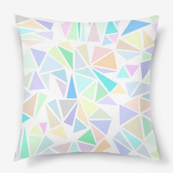 Подушка «Пастельные треугольники»