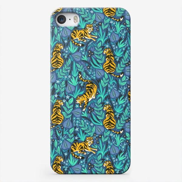 Чехол iPhone «Тигры в джунглях»
