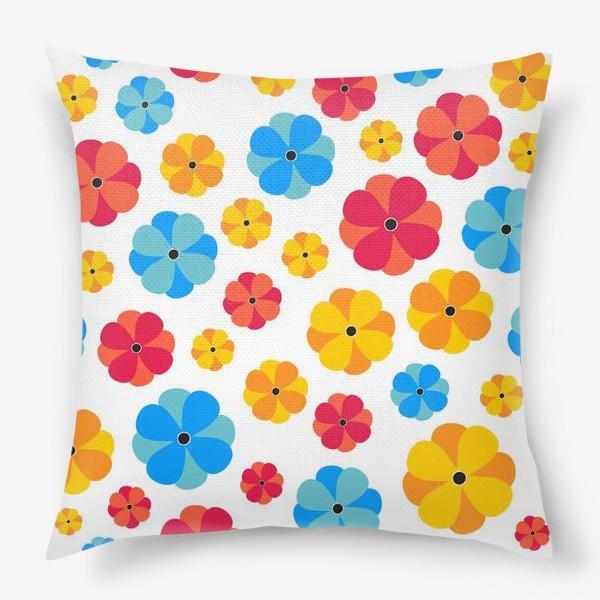 Подушка «Цветочки на белом фоне»