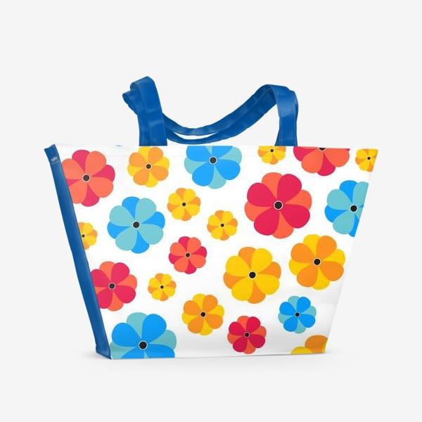 Пляжная сумка «Цветочки на белом фоне»