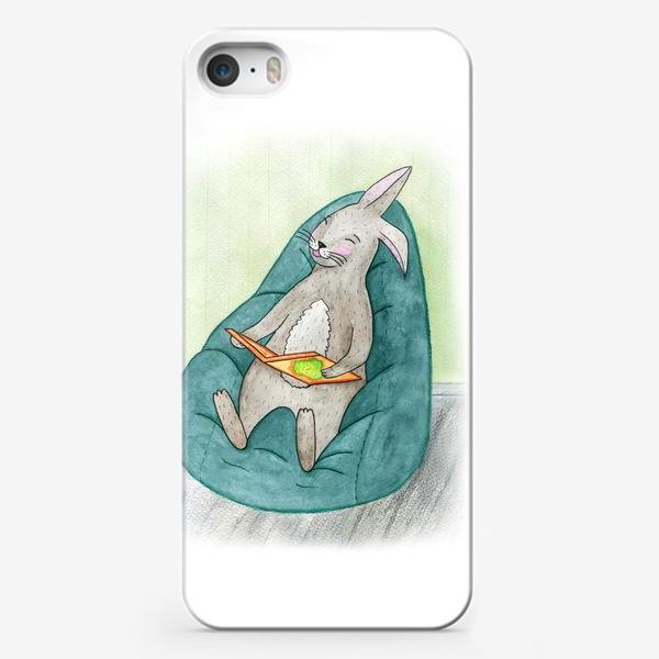 Чехол iPhone «Читающий заяц»