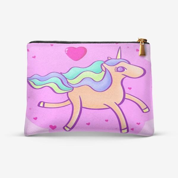 Косметичка «Персиковый единорог в розовом облаке с сердечками»