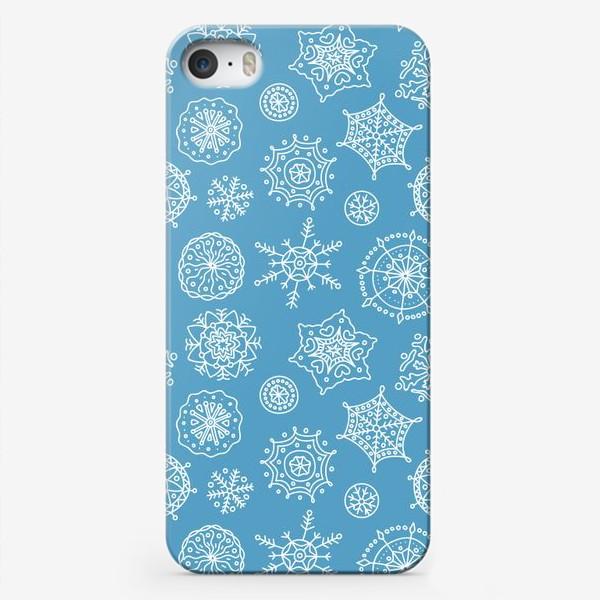 Чехол iPhone «Новогодние снежинки (голубой фон)»