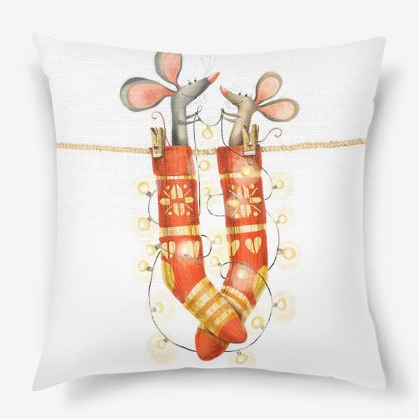 Подушка «Новогодние мышки»