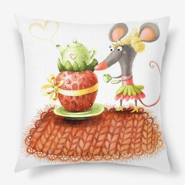 Подушка «Мышка и чаепитие»
