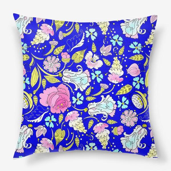 Подушка «Пышные цветы»