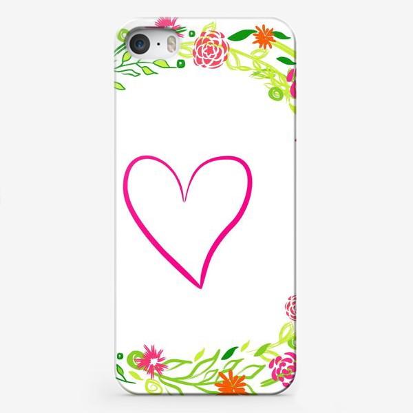 Чехол iPhone «Венок из цветов сердце любовь романтика »