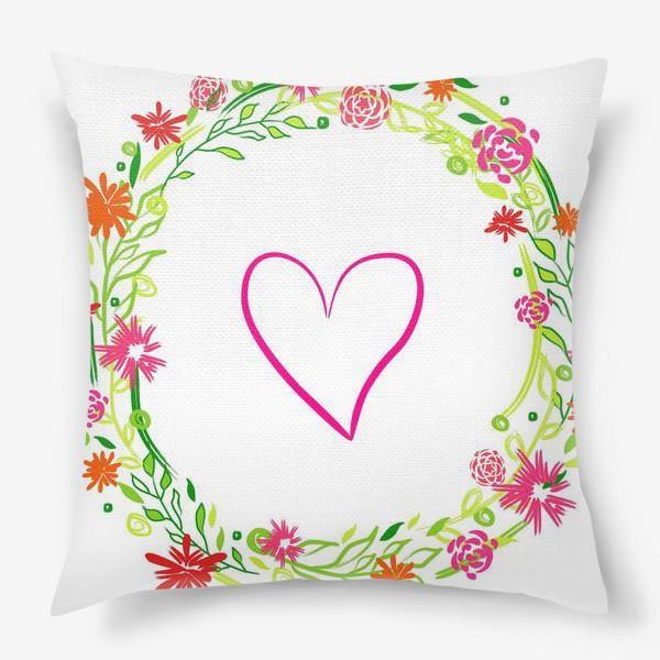 Подушка «Венок из цветов сердце любовь романтика »